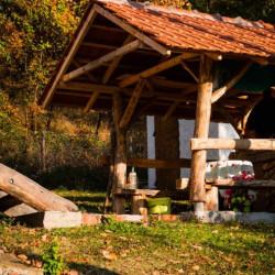Kuća pored reke Lopatnice